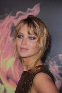 Jennifer-Lawrence---The-Hunger-Games-LA-Premiere-37.md.jpg
