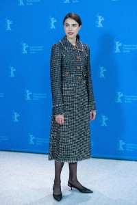 Margaret-Qualley---Berlinale-2020---My-Salinger-Year-Photocall-08.md.jpg