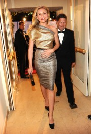 Cameron-Diaz---2010-Vanity-Fair-Oscar-Party-34.md.jpg