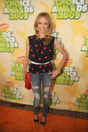 Cameron-Diaz---Nickelodeons-22nd-Annual-Kids-Choice-Awards-03.md.jpg