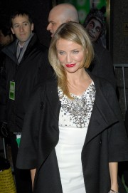 Cameron-Diaz---Shrek-The-Musical--Broadway-Opening-Night-02.md.jpg
