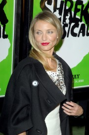 Cameron-Diaz---Shrek-The-Musical--Broadway-Opening-Night-10.md.jpg