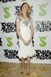 Cameron-Diaz---Shrek-The-Musical--Broadway-Opening-Night-22.md.jpg