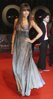 Camilla-Belle---10000-BC-German-Premiere-02.md.jpg
