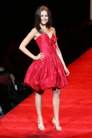 Camilla-Belle---MBFW-Fall-2007---Heart-Truth-Red-Dress-14.md.jpg