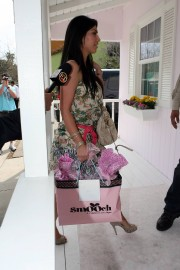 Kim-Kardashian---Jessica-Albas-Baby-Shower-at-Ever-After-Teahouse-17.md.jpg
