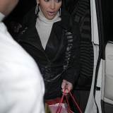 Kim-Kardashian---Leaving-Mr-Chows-Restaurant-26th-Dec-03