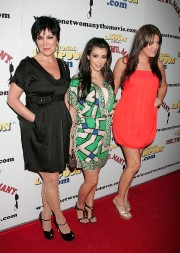 Kim-Kardashian---National-Lampoon-Presents-One-Two-Many-Premiere-16.md.jpg