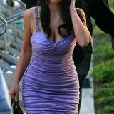 Kim-Kardashian-Eats-Ice-Cream-In-Beverly-Hills-04