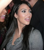 Kim-Kardashian-Hosting-The-Chloe-Lane-5th-Year-Anniversary-Party-06.md.jpg