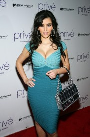 Kim-Kardashian-Hosts-A-Night-At-Prive-Las-Vegas-02.md.jpg