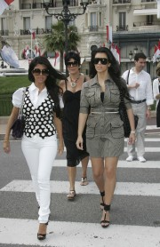 The-Kardashians-in-Monte-Carlo-04.md.jpg