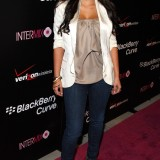 Kim-Kardashian---Launch-Party-For-The-New-BlackBerry-8330-Pink-Curve-16