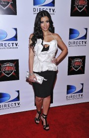 Kim-Kardashian---The-Championship-Gaming-Series-Kick-Off-Party-09.md.jpg