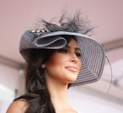 Kim-Kardashian---135th-Kentucky-Derby-09.md.jpg