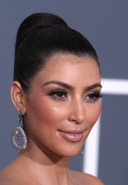 Kim-Kardashian---51st-Annual-GRAMMY-Awards-10.md.jpg