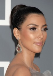 Kim-Kardashian---51st-Annual-GRAMMY-Awards-19.md.jpg