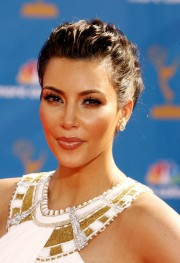 Kim-Kardashian---62nd-Annual-Primetime-Emmy-Awards-05.md.jpg