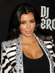 Kim-Kardashian---DJ-Hero-Launch-02.md.jpg