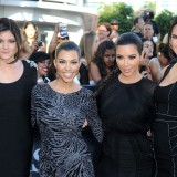 Kim-Kardashian---Premiere-Of-The-Twilight-Saga-Eclipse-17