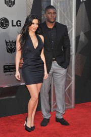 Kim-Kardashian---Premiere-Of-Transformers-Revenge-of-the-Fallen-Los-Angeles-Premiere-20.md.jpg