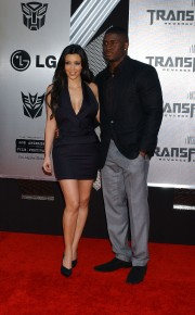 Kim-Kardashian---Premiere-Of-Transformers-Revenge-of-the-Fallen-Los-Angeles-Premiere-21.md.jpg