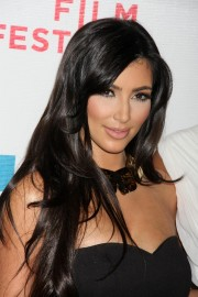 Kim-Kardashian---Premiere-Of-Wonderful-World-17.md.jpg