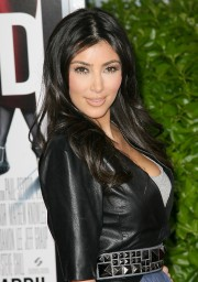 Kim-Kardashian---Screening-Of-Obsessed-02.md.jpg