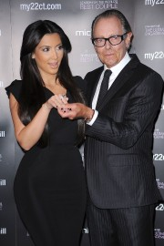 Kim-Kardashian-Promotes-The-Ultimate-Engagement-Ring-09.md.jpg