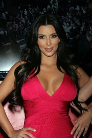 Kim-Kardashian-Wax-Figure-Unveiling-At-Madame-Tussauds-13.md.jpg