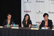 The-Kardashians-For-Press-Conference-At-The-Mirage-02.md.jpg