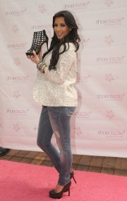 Kim-Kardashian-Celebrates-Shoedazzle-First-Birthday-17.md.jpg