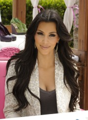 Kim-Kardashian-Celebrates-Shoedazzle-First-Birthday-23.md.jpg