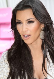 Kim-Kardashian-Celebrates-Shoedazzle-First-Birthday-63.md.jpg