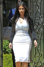 Kim Kardashian Heads to a Meeting in Beverly Hills 2012 26