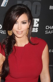 Kim-Kardashian---2011-The-Huffington-Post-Game-Changers-Awards-03.md.jpg