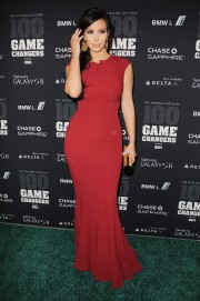 Kim-Kardashian---2011-The-Huffington-Post-Game-Changers-Awards-12.md.jpg