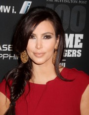 Kim-Kardashian---2011-The-Huffington-Post-Game-Changers-Awards-22.md.jpg
