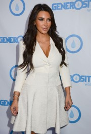 Kim-Kardashian---Generosity-Waters-4th-Annual-Night-Of-Generosity-07.md.jpg