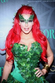 Kim-Kardashian---Midori-Green-Halloween-Costume-Party-07.md.jpg
