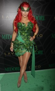 Kim-Kardashian---Midori-Green-Halloween-Costume-Party-42.md.jpg