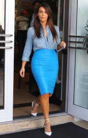 Kim-Kardashian---Sigthings-in-Miami-2012-25.md.jpg