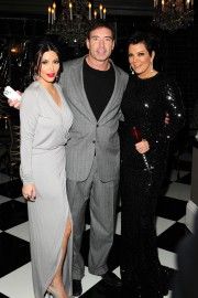 The-Kardashians-Annual-Christmas-Eve-Party-03.md.jpg