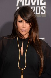 Kim-Kardashian---2013-MTV-Movie-Awards-02.md.jpg