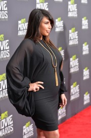Kim-Kardashian---2013-MTV-Movie-Awards-06.md.jpg