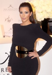Kim-Kardashian---Lord-And-Taylor-Celebrates-Fashion-Night-Out-2012-06.md.jpg