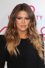 Khloe-and-Kim-Kardashian---Hairfinity-UK-Launch-Party-19.md.jpg