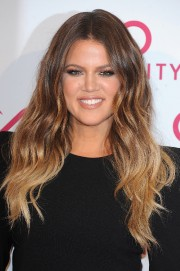 Khloe-and-Kim-Kardashian---Hairfinity-UK-Launch-Party-21.md.jpg
