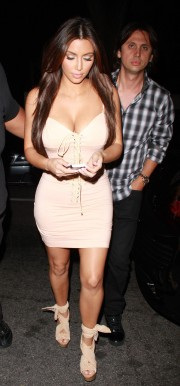Kim-Kardashian-Goes-to-the-Pussycat-Dolls-Show-34.md.jpg