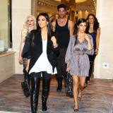 Kim-Kardashian-Lunch-In-A-Private-Cabana-And-Shopping-10